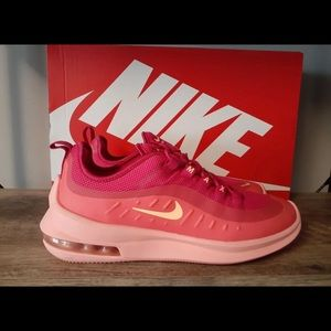 New with Box Women's Nike Air Max Axis